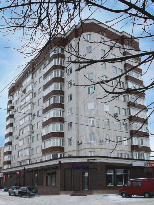 67-квартирний житловий будинок з вбудовано-прибудованими магазинами по вул. Примакова, 52 в м. Хмельницькому. (Зданий в 2006 р.)